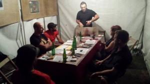 Stephan et sa table de 20h, qui durera jusqu'au bout de la nuit ?